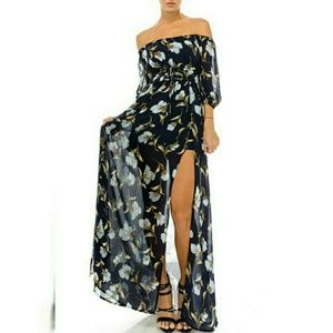 Dresses & Skirts - Floral Maxi Dress NWT